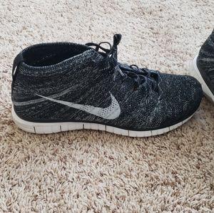 Used Nike flynit chukka size 12